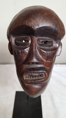 Old passport mask - Chokwe - Angola (border with Congo)