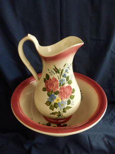 Antique pitcher with bowl in ceramic with brand Gil Man &C.TA - 1920/40 - Sacavem - Portugal