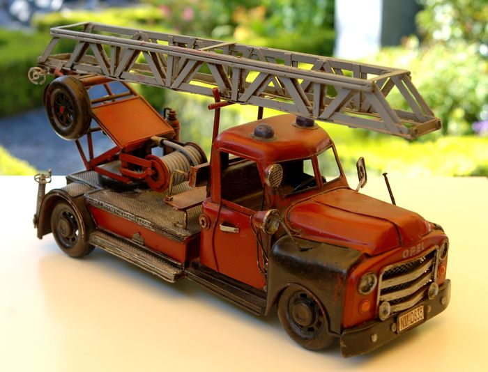 old 39 fire brigade 39 car with ladder and many details 40 cm long catawiki. Black Bedroom Furniture Sets. Home Design Ideas