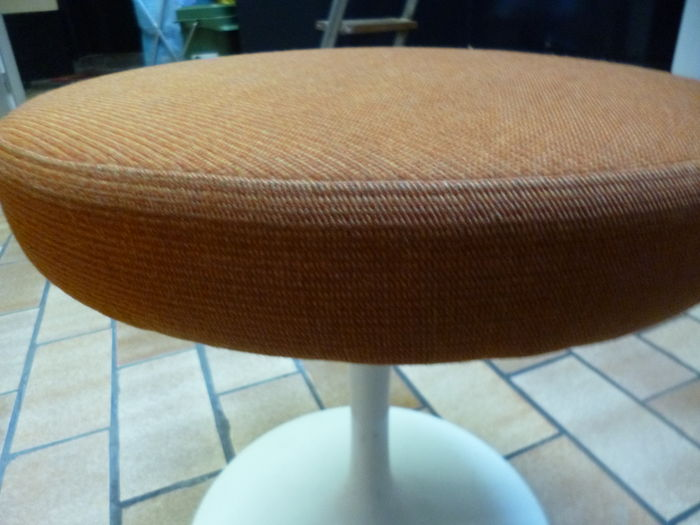Eero saarinen per knoll international u2013 sgabello tulip catawiki