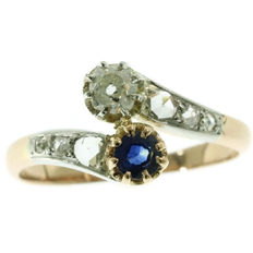 Antique 'toi et moi' sapphire and diamond gold engagement ring