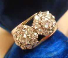 Antique Gold Diamond 1,12 ct  Double Daisy Flower Ring
