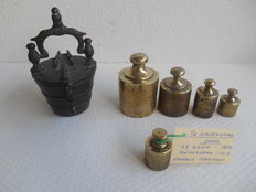 Lot:  Brass Arrow weight and i.a. 1/4 Amsterdam pound and kilogram - v.a.  1852