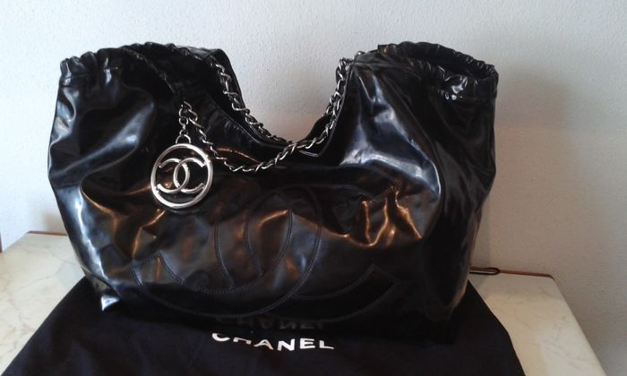 7aa65650e6e3 Chanel – large Coco Cabas bag - Catawiki