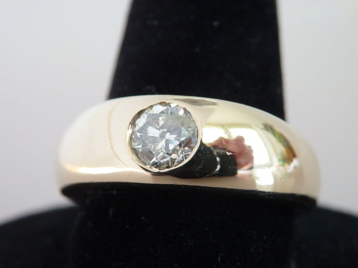 Solitaire gold ring 585 with 0.75 carat diamond - 20 mm diameter