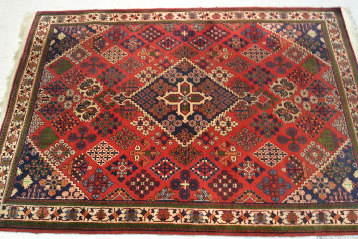 Beautiful oriental carpet 170 x 117 cm Middle of the 20th century