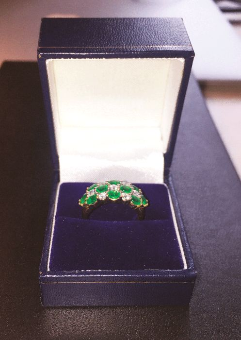 14 kt gold ring with diamond and emerald; Ring size is 17