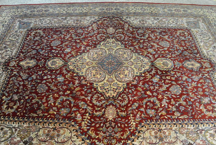 Oriental carpet, Tabriz, India, semi, 335 x 248 cm End of the 20th century