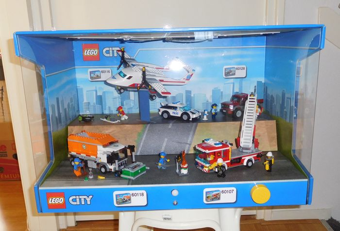 City display case with 60118 60107 60116 60128 for Case lego city