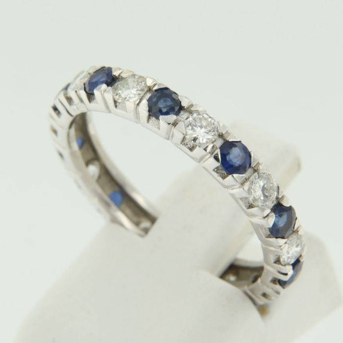 14 kt white gold eternity ring set with brilliant cut