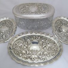Durán silver set, three oval small trays in silver and an oval box in crystal and silver - Spain - 20th century
