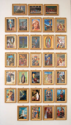 Lot - Three dimensional religious images.