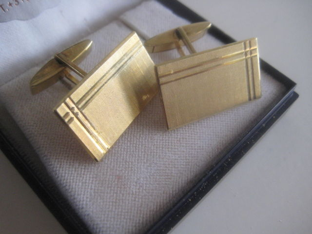 Vintage cuff links in 14 kt yellow gold