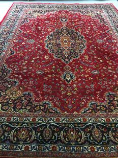Splendid, hand-knotted, Persian, royal Maschad, with plant-based colours! Approx. 276 x 382 – in very good condition – Persia – free and fast shipping to Europe