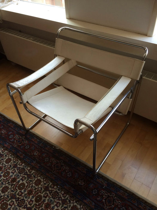 Marcel Breuer   Wassily Chair In White Leather. (Replica)