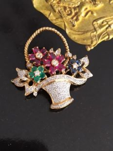 Gold brooch, flower basket, with diamond, sapphire, ruby and emerald, approx. 2.45 ct in total.