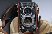 Check out our Rolleiflex 3.5 /75mm Model 2 N° : 2239783, 1960