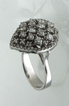 White gold Art Deco style ring inlaid with brilliant cut diamond, 1.52 ct, colour E/VVSI