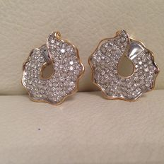 Earrings in 18 kt yellow and white gold with diamonds – Width: 3 cm – Length: 3 cm