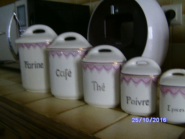 Lot of 5 ceramic pots
