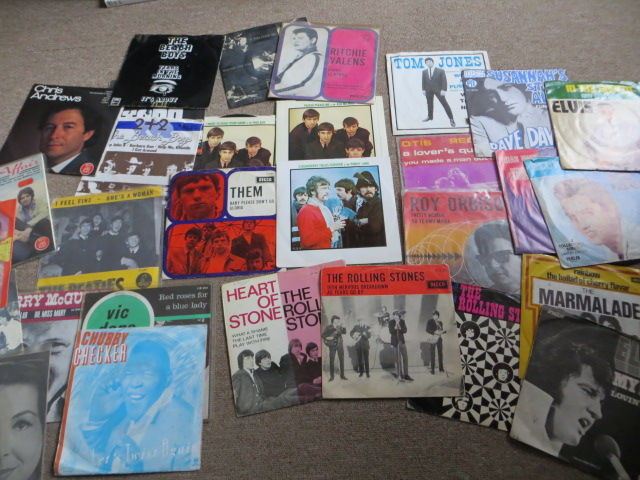 "Pop, Beat, Rock; Various Artists, Lot Of 30 Singles / Ep's  7""  From The Sixties - In Photo Sleeves"