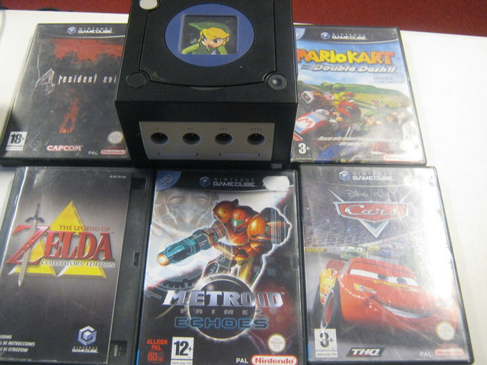 Nintendo Gamecube with custom Zelda lid mod with 5 games