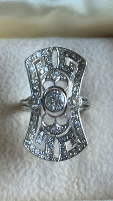 Antique ring with diamonds