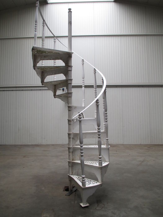 Exceptionnel Victorian Aluminum Spiral Staircase   England   20th Century