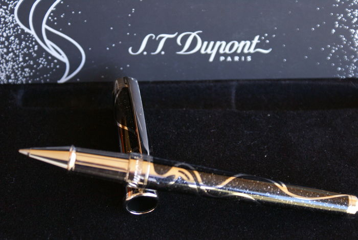 Limited Edition St Dupont Magic Wishes Rollerball Pen - Catawiki