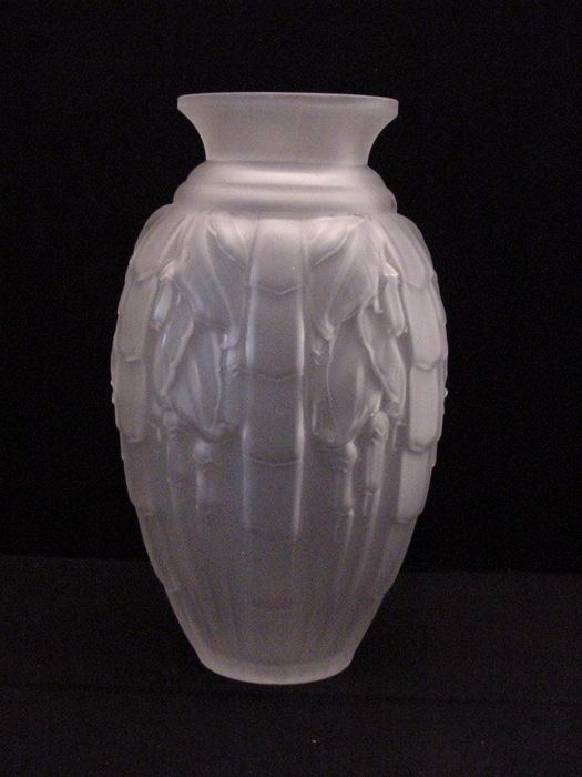 Muller Frres Satined Frosted Glass Vase Fuchsia Decoration