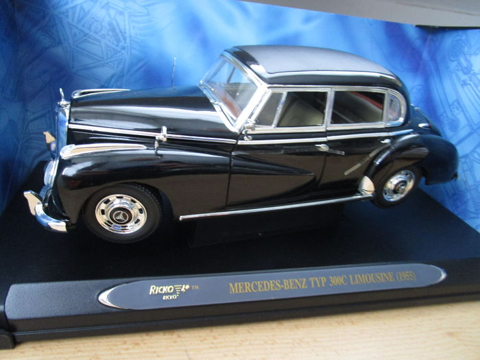 Ricko scale 1 18 mercedes benz typ 300c limousine for Mercedes benz 300c