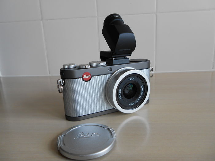 Leica X-E camera (type 102) with Elmarit 24mm f/2 8 ASPH lens and  viewfinder Olympus and luxurious leather Leica bag - Catawiki