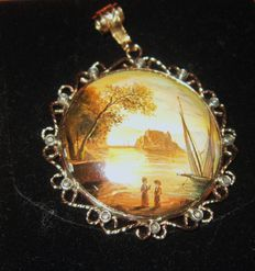 Pendant with miniature  painting with diamonds set in 585 and 800 gold