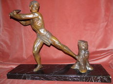 J. Hervor - 'Le Bucheron' - Art Deco sculpture  - patinated bronze
