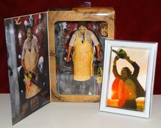 Texas Chainsaw Massacre - NECA - Ultimate 40th Anniversary Action Figure - comes with extra framed small photo