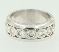 14 kt white gold band ring set with brilliant cut diamonds