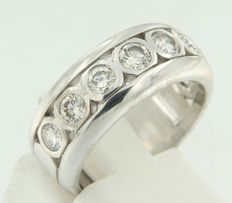 White gold ring set with brilliant cut diamonds, 1 ct - ring size 16.25 (51)