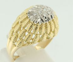 18 kt bi-colour gold ring set with octagon cut diamond - ring size 17.5 (55)