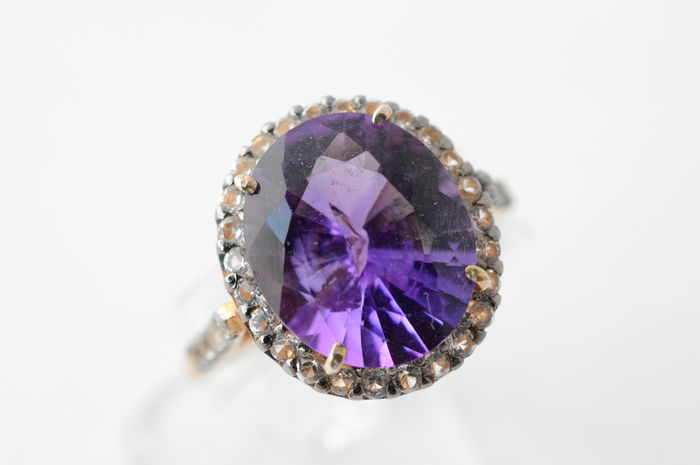 Entourage ring with an intense purple amethyst – No minimum price