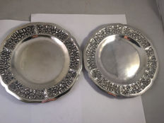 Pair of silver dishes, Mexico, 20th century