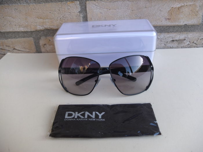 5251005c957d DKNY – Donna Karran New York – sunglasses - Catawiki