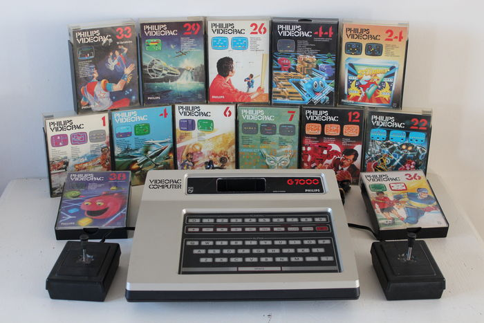 Philips Videopac G7000 with 13 games
