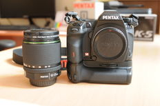 PENTAX K-5 Digital camera Kit + SMC Pentax-DA 18-135mm F3.5-5.6 ED WR lens with Pentax D-BG4  battery grip.