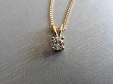 Gold chain and pendant with 0.4 ct diamond