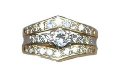 Ring in 18 kt gold with diamonds. Comes with a gemmologist certificate