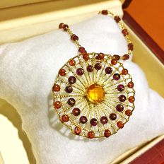 18 kt yellow gold necklace and pendant with garnets and citrine topaz