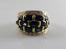 18 kt ring with 22 brilliants and 13 blue sapphires