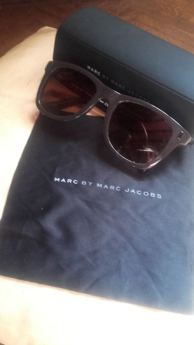 c11ed128433c Marc Jacobs – Sunglasses in their case - Catawiki