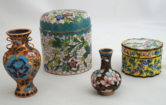 Four Cloisonne Vases And Pots China 20th Century Catawiki
