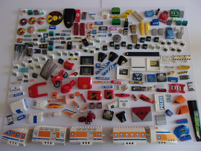 Assortment - Collection of Lego pieces with screenprints or stickers